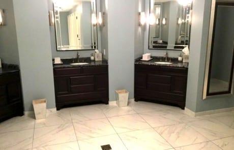 NOPSI Hotel bathroom vanity