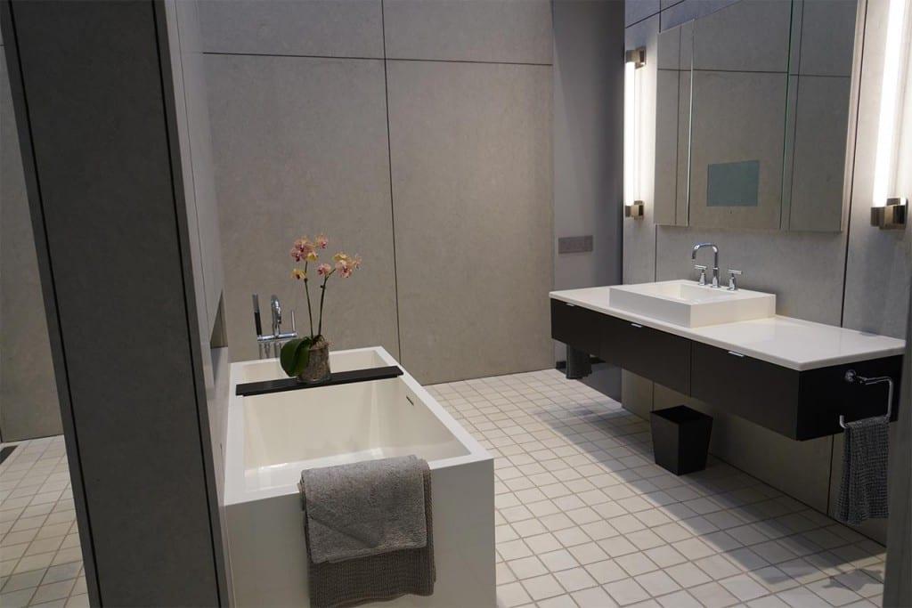 modern Bath Tub